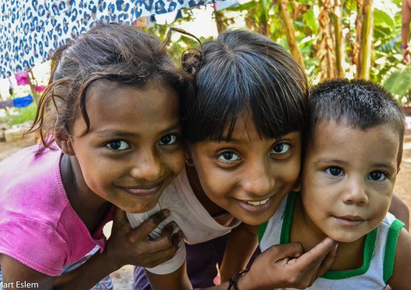 Nicaragua, Granada, Gran Sultana, Savaneta, děti [Mart Eslem]