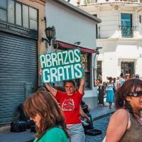 Objetí zdarma na ulici v Buenos Aires – Buenos Aires, Argentina [Mart Eslem]