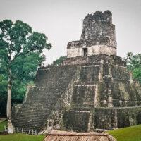 Chrám I nebo-li Chrám velkého jaguára, El Petén, Guatemala (Mart Eslem)