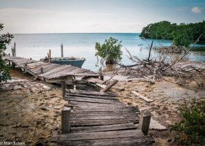 Odlehlé zákoutí ostrova Caye Caulker, Belize (Mart Eslem)