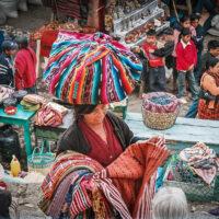 Domorodá trhovkyně, Chichicastenango, Guatemala (Mart Eslem)