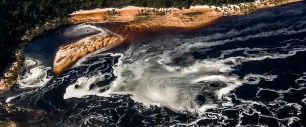 Letecký snímek části laguny Canaima (Mart Eslem)