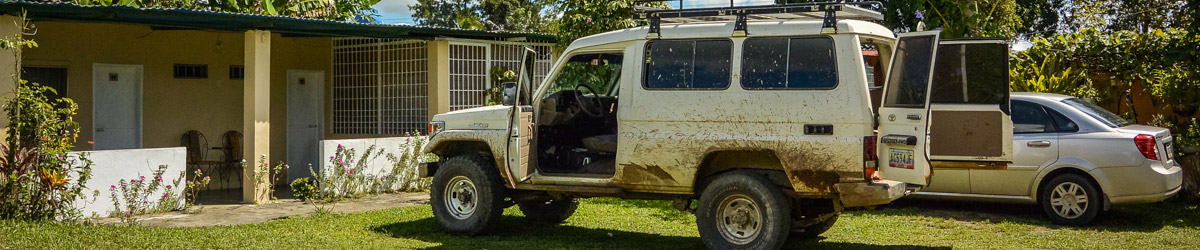 Přesun z Puerto Ordaz do Palmaru zajistila stará Toyota Land Cruiser (Mart Eslem)