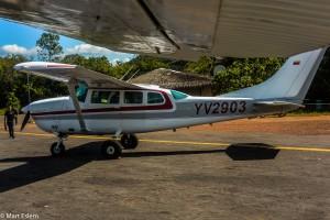 Vrtulová Cesna k přesunu do Národního parku Canaima (Mart Eslem)