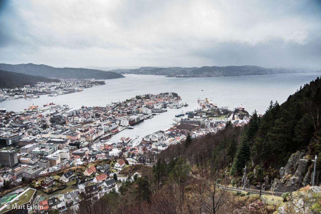 Výhled na Bergen z vrcholu hory Floyen (Mart Eslem)