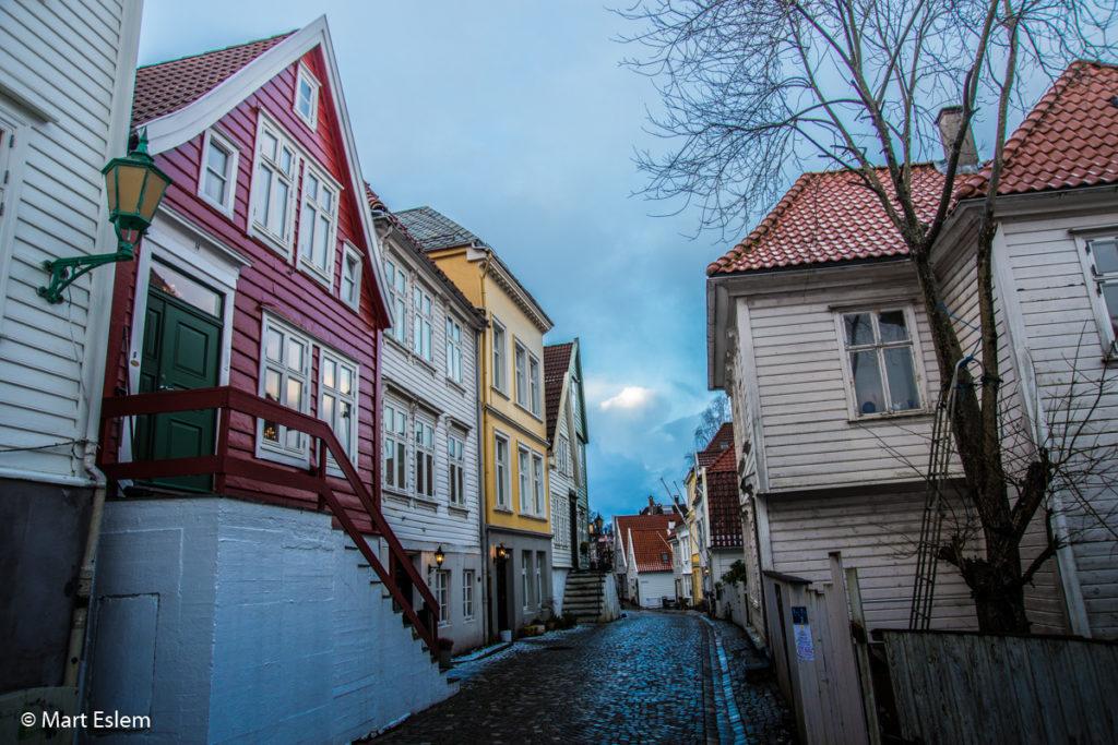 Fotogenické domy v ulicích Bergenu (Mart Eslem)