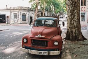 Stále používaný automobilový dědeček – Montevideo, Uruguay [Mart Eslem]