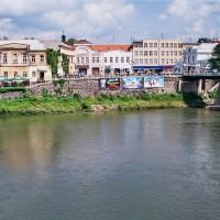 Město na řece Už (Mart Eslem)
