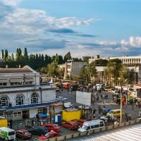 Tržnice před hotelem v Kišiněvě (Mart Eslem)