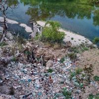 Albánská příroda je zamořená odpadky (Mart Eslem)