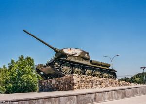 Tank na podstavci v Tiraspolu (Mart Eslem)
