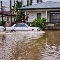 Auta místo loděk v Paramaribu (Mart Eslem)