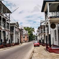 Typická ulice Paramariba (Mart Eslem)