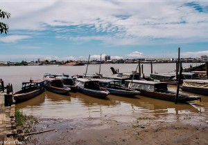 Přívoz přes řeku Surinam (Mart Eslem)