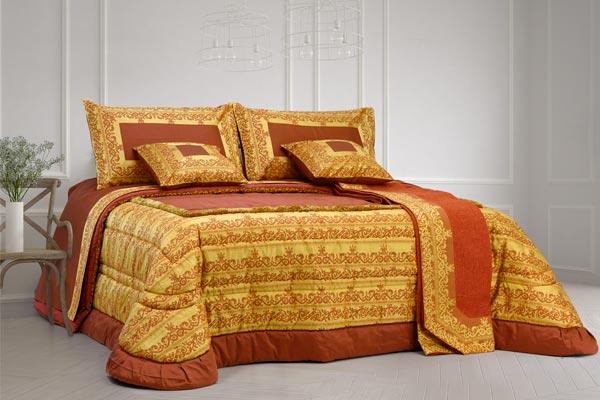 composè letto matrimoniale colore bordò balza decorata oro marabò
