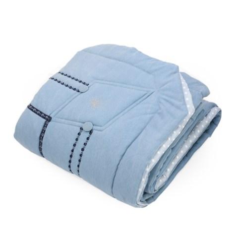 Trapunta realizzata in tessuto di jeans con strass