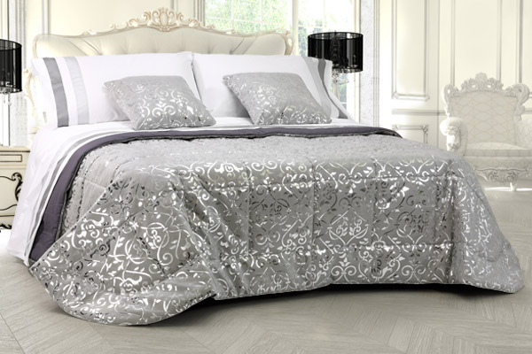 Trapunta matrimoniale invernale alcantara grigio laminata argento texture floreale