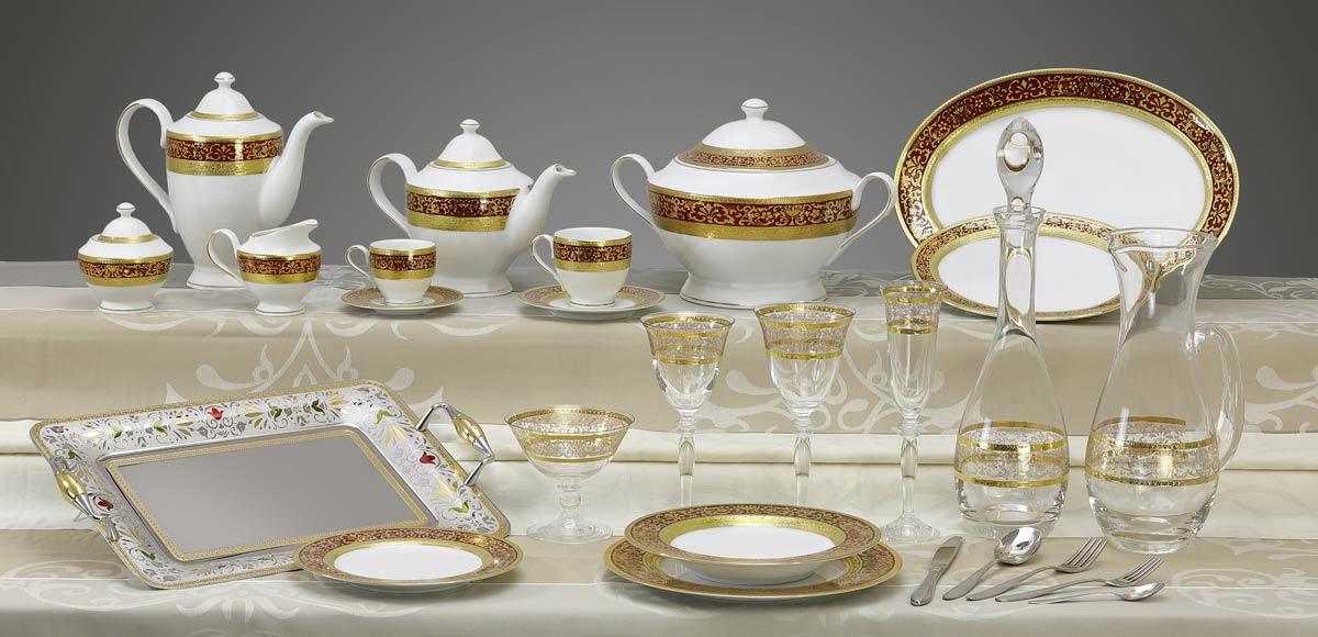 Completo piatti bicchieri vassoi decoro classico oro bordeaux Royal