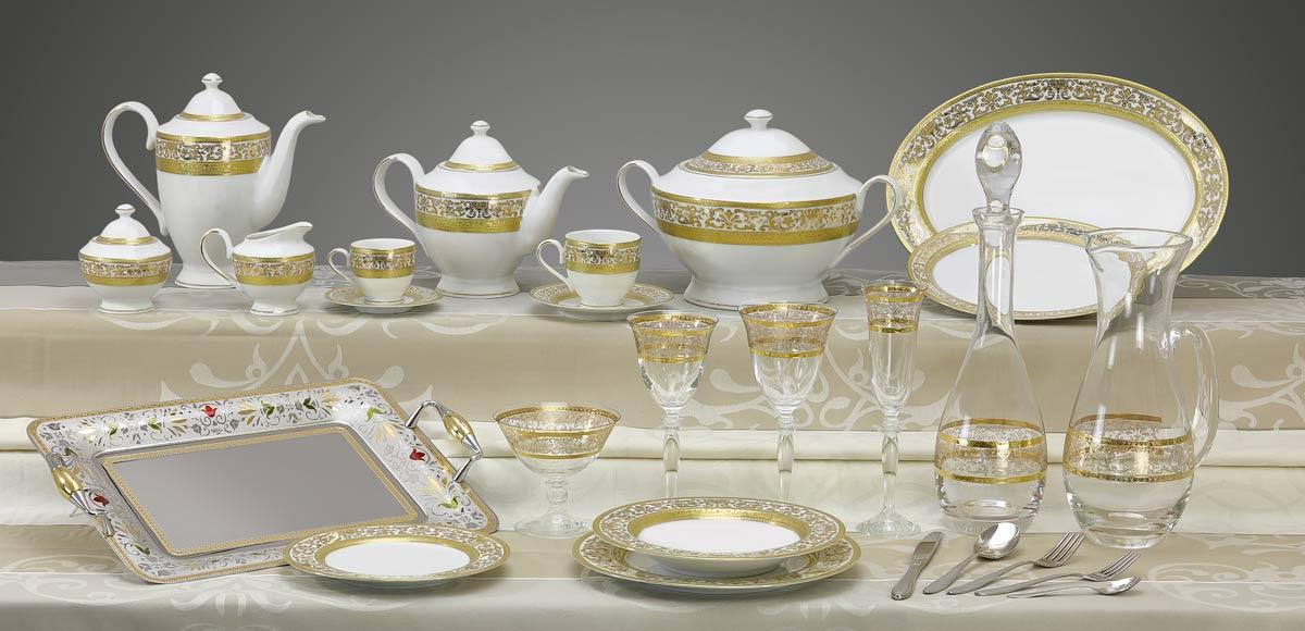 Completo di piatti bicchieri vassoi decoro classico oro Royal