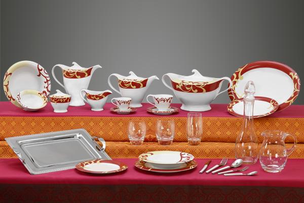 Coordinato piatti bicchieri e vassoi con decoro bordeaux e vaniglia - Bahia