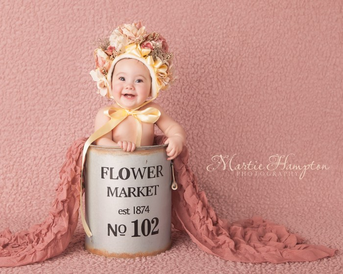 baby girl sitting 6 six month photography texas frisco portraits pictures newborn clothes need prosper little elm baby blog pictures portraits frisco tx 75033