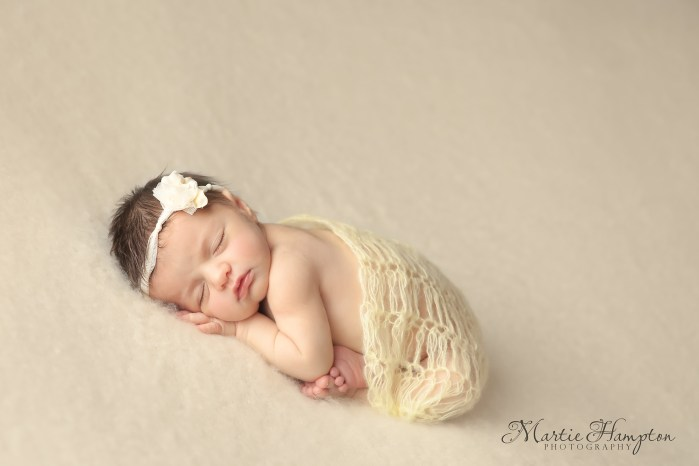 newborn clothes need baby blog pictures portraits frisco tx 75033 girl boy baby pictures ideas props photography