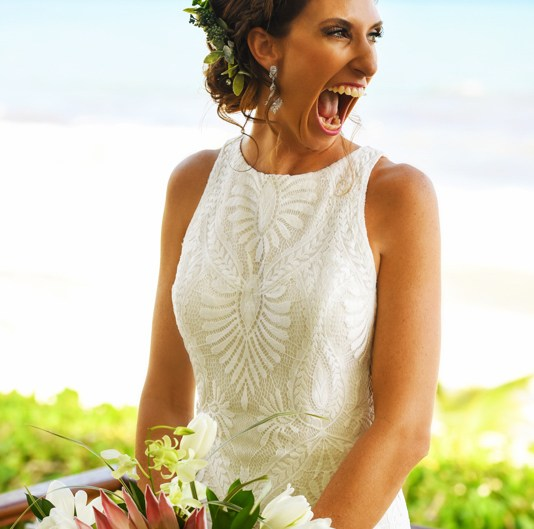 Beach bride portraits at Blue Diamond Riviera Maya, Mexico. Martina Campolo Photography