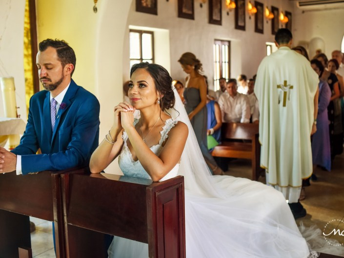 Nuestra Señora del Carmen Wedding in Playa del Carmen, Mexico. Martina Campolo Photography