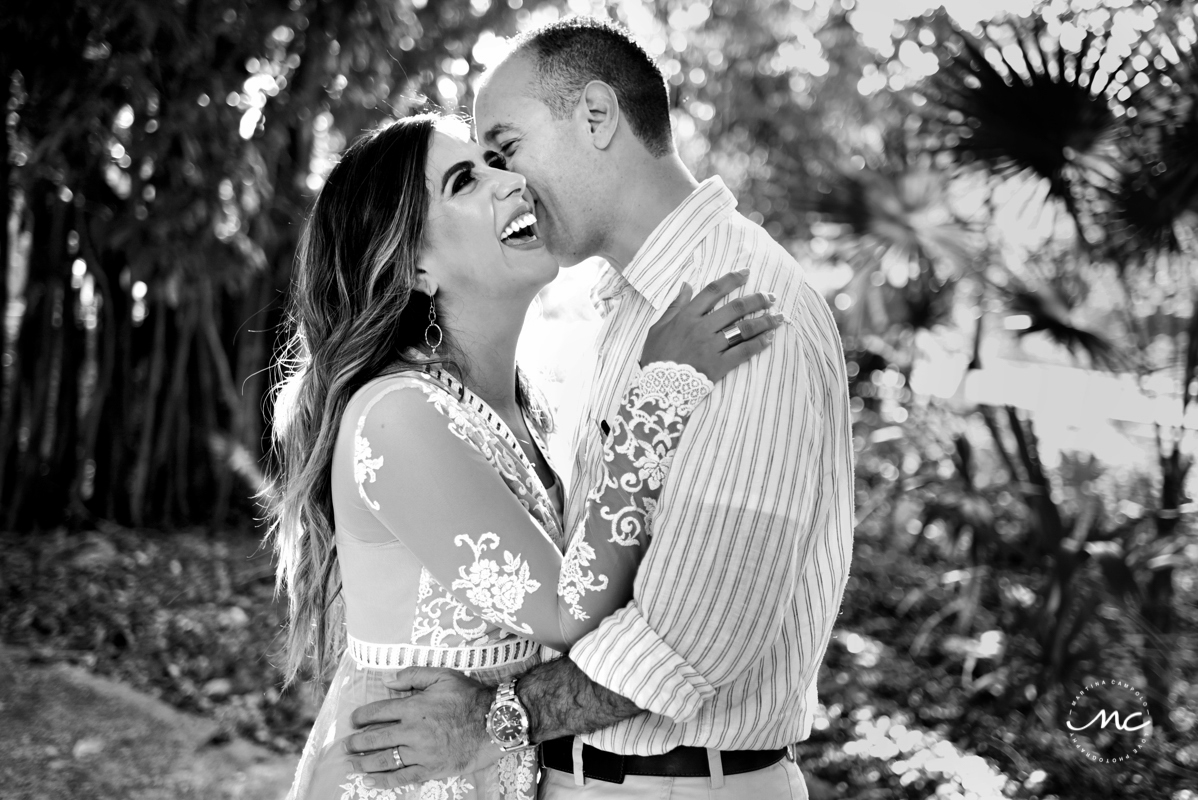 Sara Tamargo anniversary portraits in black and white by Martina Campolo Mexico Photography