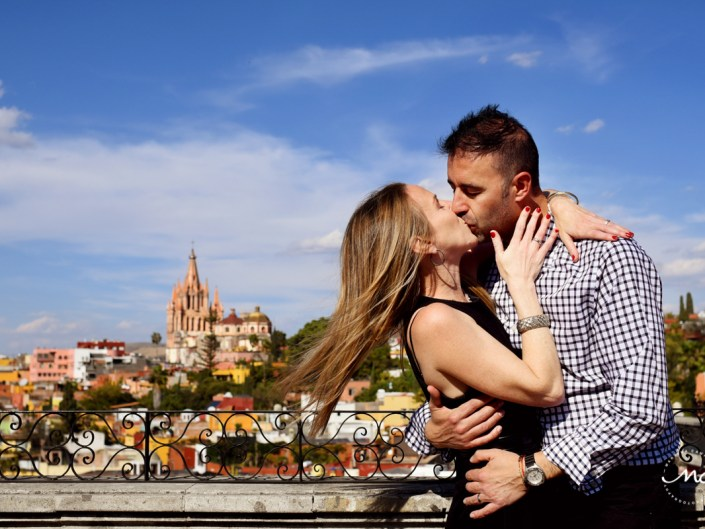 Couple's kiss at Rosewood San Miguel de Allende Rooftop. Martina Campolo Photography