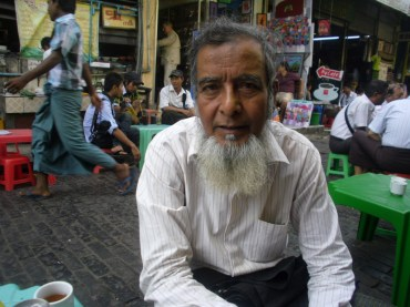 The man who invited himself to share my tea and teach me some Burmese at the Aung San Market
