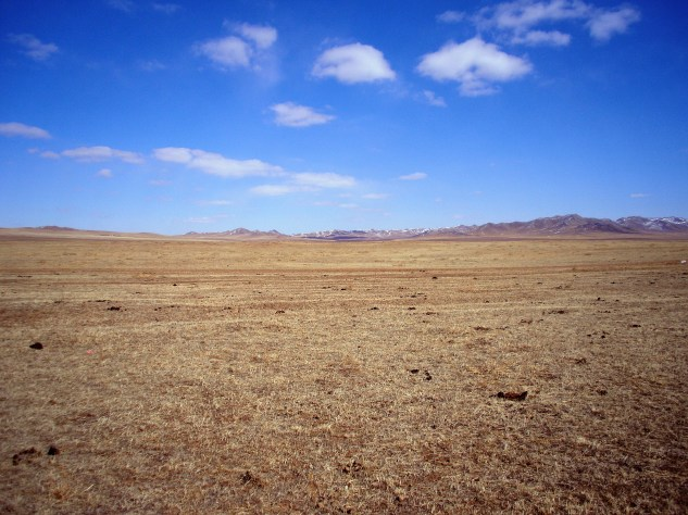The photo doesn't really do the lanscape justice. Mongolia is vast, absolutely vast.
