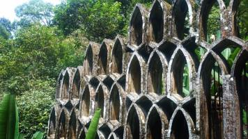 A patterned wall at Las Pozas