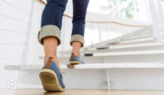 Cómo incorporar el ejercicio al día a día y que los excesos del verano no pasen factura, según mediQuo