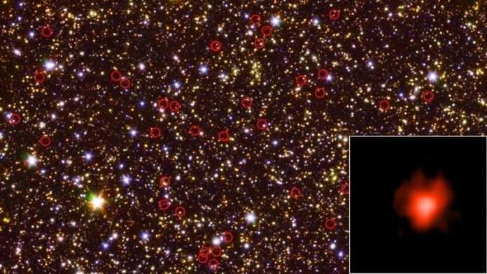 Esta vista de campo profundo del cielo (centro) tomada por los telescopios espaciales Hubble y Spitzer de la NASA está dominada por galaxias, incluidas algunas muy débiles y muy distantes, rodeadas en rojo. El recuadro inferior derecho muestra la luz obtenida de una de esas galaxias durante una observación de larga duración. Créditos: NASA/JPL-Caltech/ESA/Spitzer/P. Oesch/S. De Barros/I.Labbe
