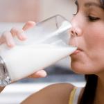 Get Glowing Skin with Fresh Milk