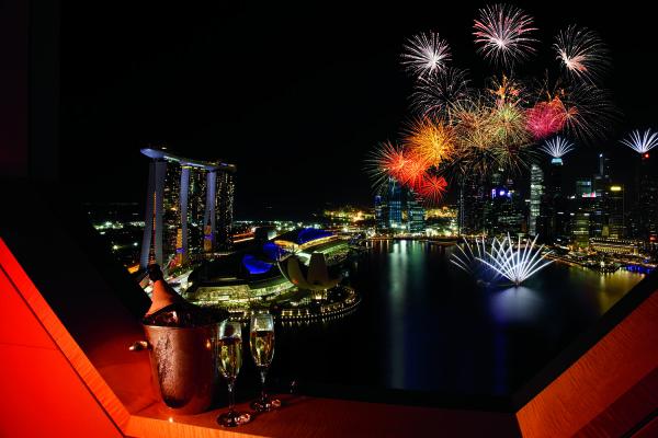 Night view_The Ritz-Carlton, Millenia Singapore