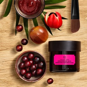 Amazonian_acai_Energising_Radiance_Mask_the_body_shop
