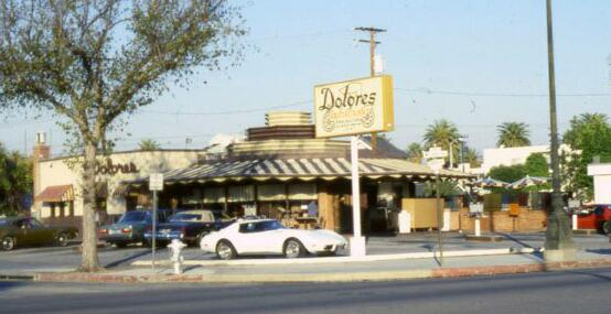Dolores' Drive-In