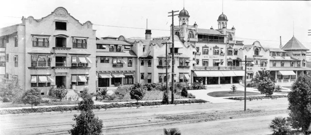 Hollywood Hotel in 1905, after expansion