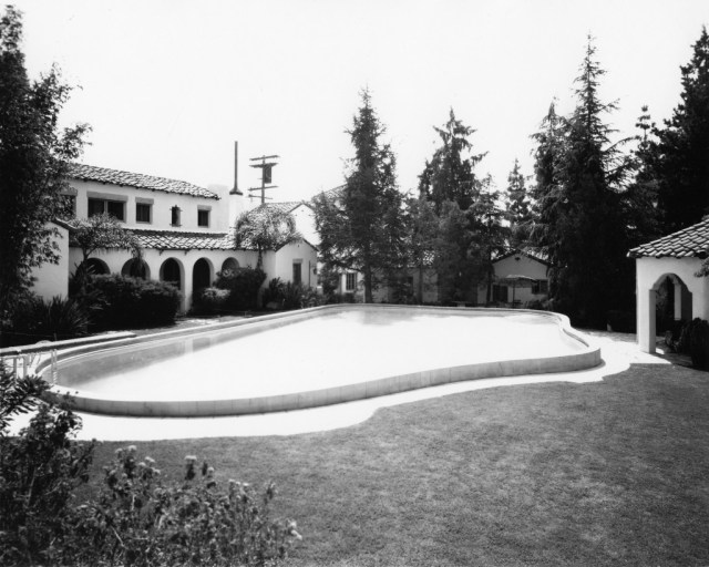 Garden of Allah pool 1934