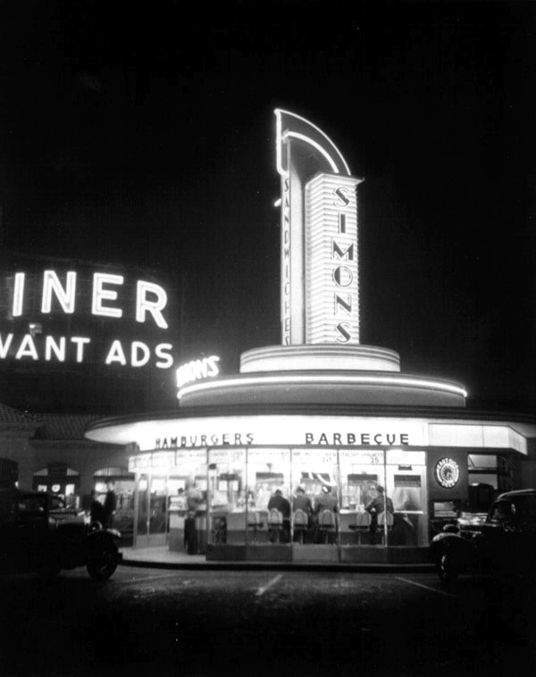 Simon's Drive-In at night, Wilshire and Fairfax, 1942.jpg