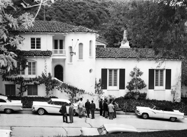 Mike Todd and Elizabeth Taylor's house at 1330 Schuyler Drive, Beverly Hills, on the day his private plane crashed - March 22, 1958
