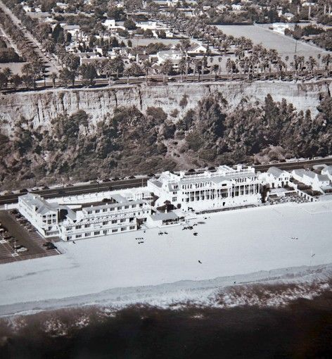 110-room mansion William Randolph Hearst built for actress Marion Davies in the 1930s, now the Annenberg Community Beach