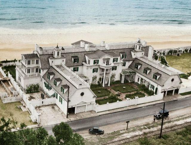 Marion Davies's Santa Monica beach house, around 1930