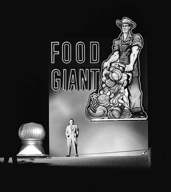 Grand opening of the Food Giant Market, Lynwood, Los Angeles, 1951