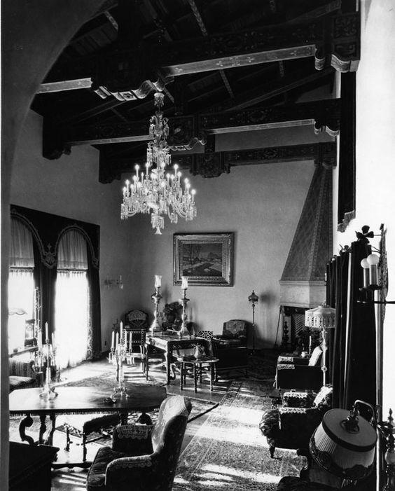 Room in Bugsy Siegel's Castillo Del Lago
