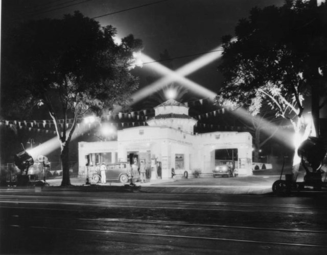 Night view of the grand opening of a Union Oil gas station, Los Angeles, 1932