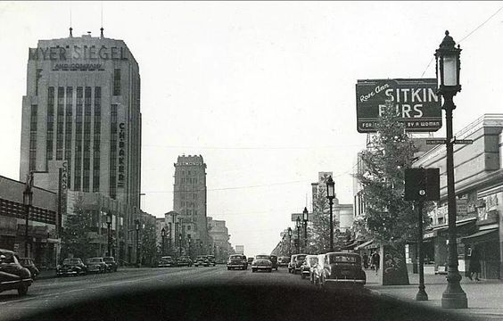 "A vintage dashboard view of Wilshire Boulevard's ""Miracle Mile"", circa late 1940s"