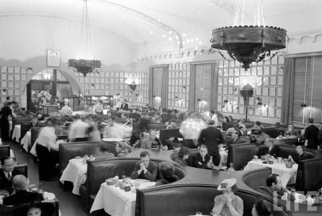 Interior shot of the Hollywood Brown Derby